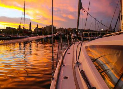 Barcelona exclusive sunset sailing experience
