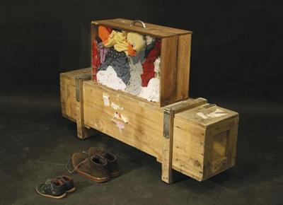 Walter Benjamin's suitcases. Migratory devices